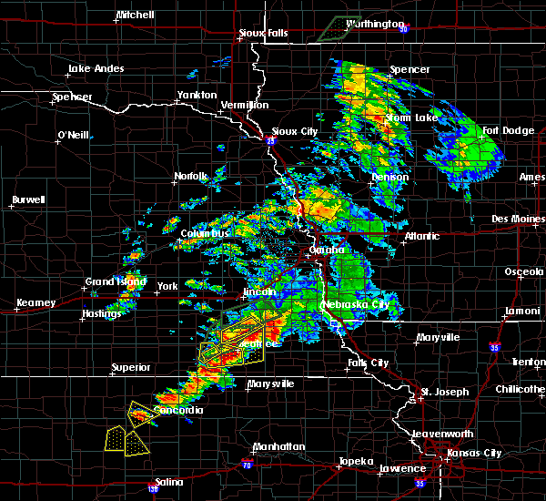 Radar Image for Severe Thunderstorms near Wymore, NE at 6/18/2020 6:47 PM CDT