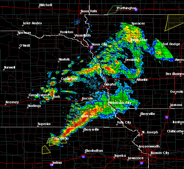 Radar Image for Severe Thunderstorms near Wymore, NE at 6/18/2020 7:16 PM CDT