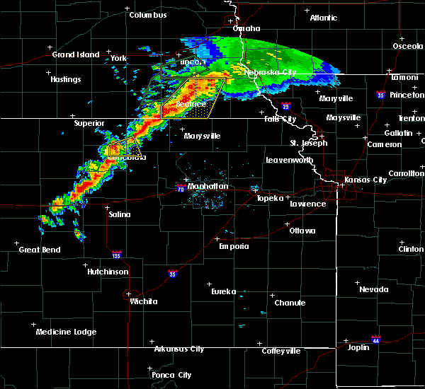 Radar Image for Severe Thunderstorms near Clyde, KS at 6/18/2020 7:25 PM CDT