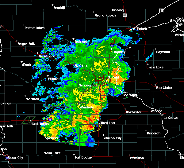 Radar Image for Severe Thunderstorms near Lake Mills, IA at 6/18/2020 7:32 PM CDT