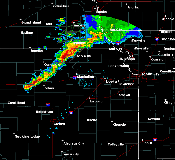 Radar Image for Severe Thunderstorms near Blue Rapids, KS at 6/18/2020 8:09 PM CDT