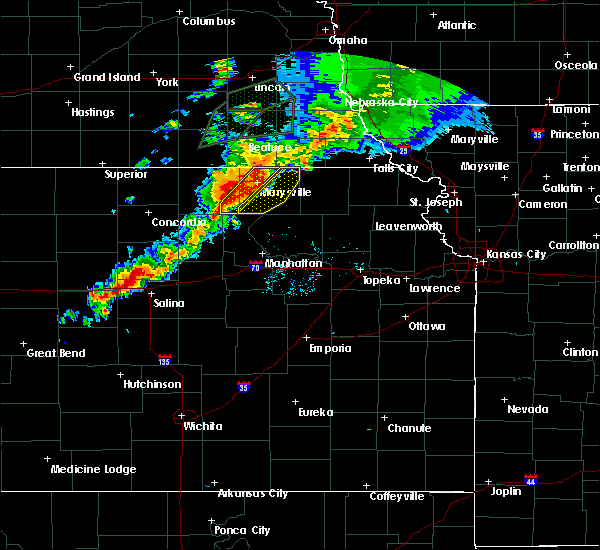 Radar Image for Severe Thunderstorms near Blue Rapids, KS at 6/18/2020 8:20 PM CDT