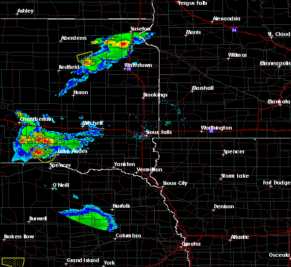 Radar Image for Severe Thunderstorms near Platte, SD at 6/20/2020 8:15 PM CDT