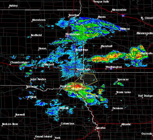 Radar Image for Severe Thunderstorms near Beresford, SD at 6/21/2020 3:27 PM CDT