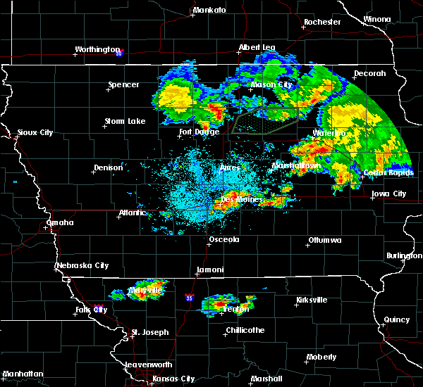 Radar Image for Severe Thunderstorms near Carlisle, IA at 6/22/2020 1:21 AM CDT