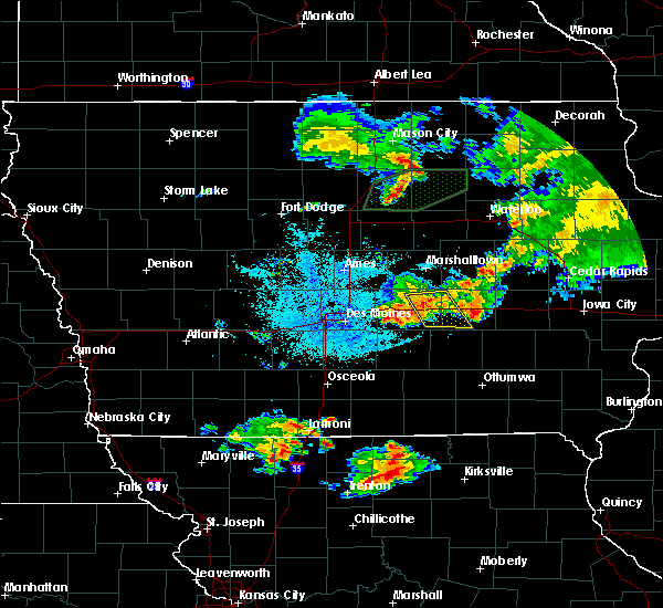 Radar Image for Severe Thunderstorms near Grinnell, IA at 6/22/2020 2:05 AM CDT