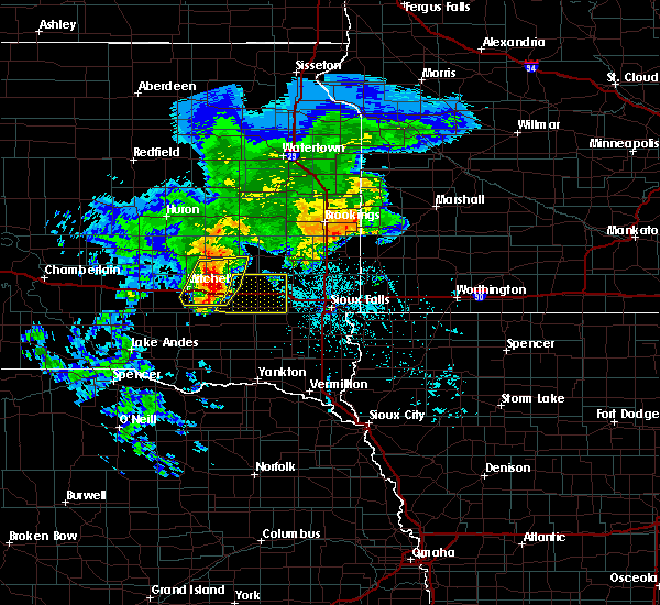 Radar Image for Severe Thunderstorms near Canova, SD at 6/25/2020 6:05 PM CDT