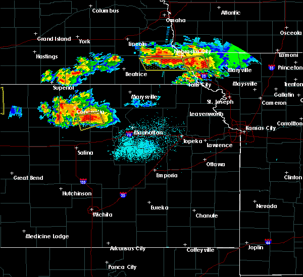 Radar Image for Severe Thunderstorms near Miltonvale, KS at 6/26/2020 11:42 PM CDT