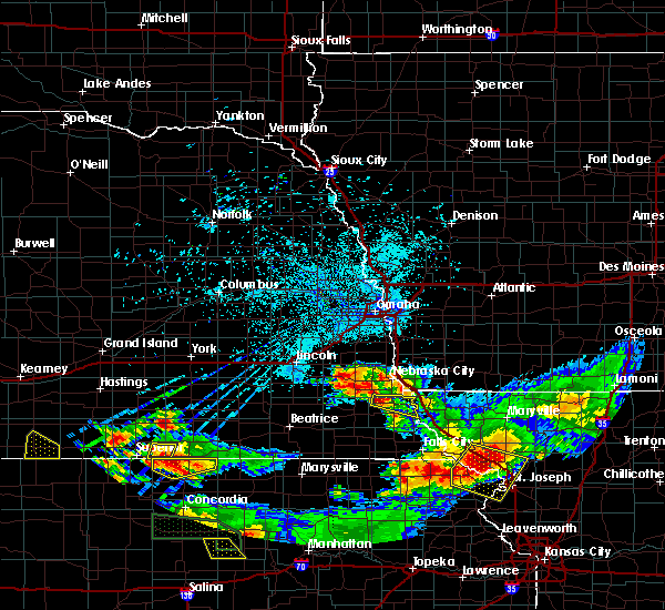 Radar Image for Severe Thunderstorms near Peru, NE at 6/27/2020 1:03 AM CDT