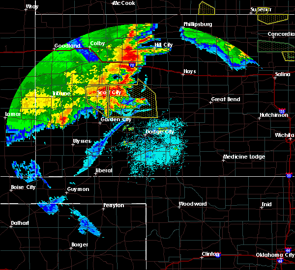 Radar Image for Severe Thunderstorms near Ingalls, KS at 6/27/2020 1:04 AM CDT