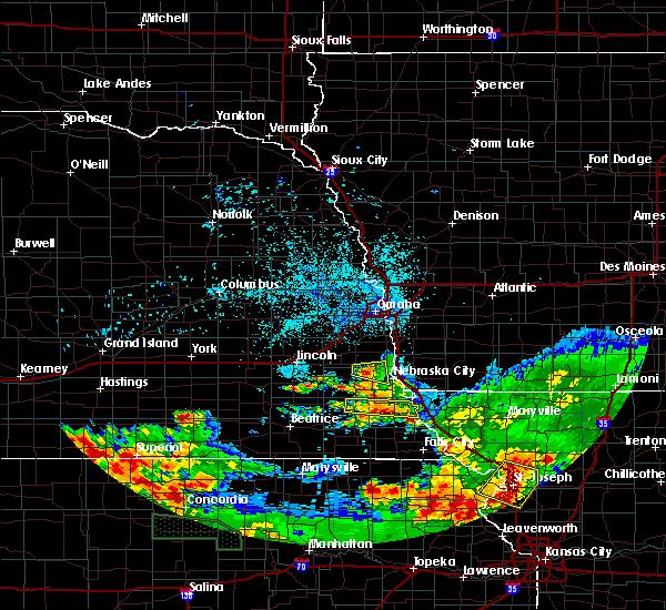 Radar Image for Severe Thunderstorms near Auburn, NE at 6/27/2020 1:36 AM CDT