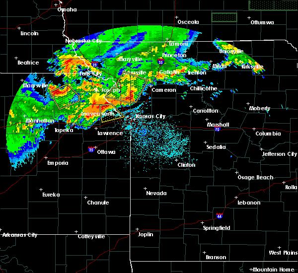 Radar Image for Severe Thunderstorms near Kansas City, KS at 6/27/2020 2:12 AM CDT