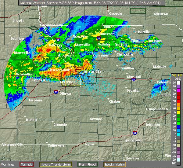 Radar Image for Severe Thunderstorms near Lawrence, KS at 6/27/2020 2:51 AM CDT