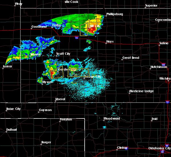 Radar Image for Severe Thunderstorms near Garden City, KS at 6/28/2020 12:01 AM CDT