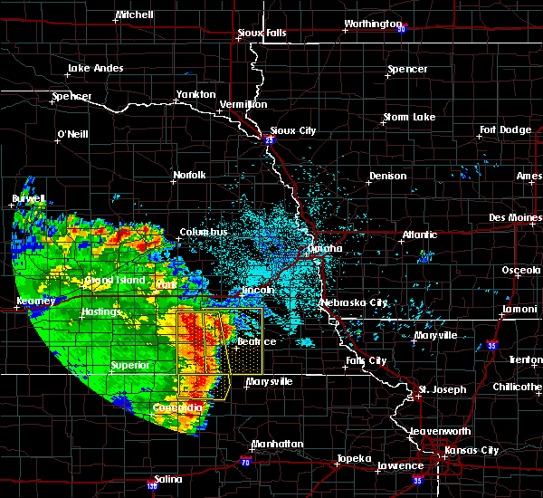 Radar Image for Severe Thunderstorms near Wymore, NE at 6/28/2020 2:54 AM CDT