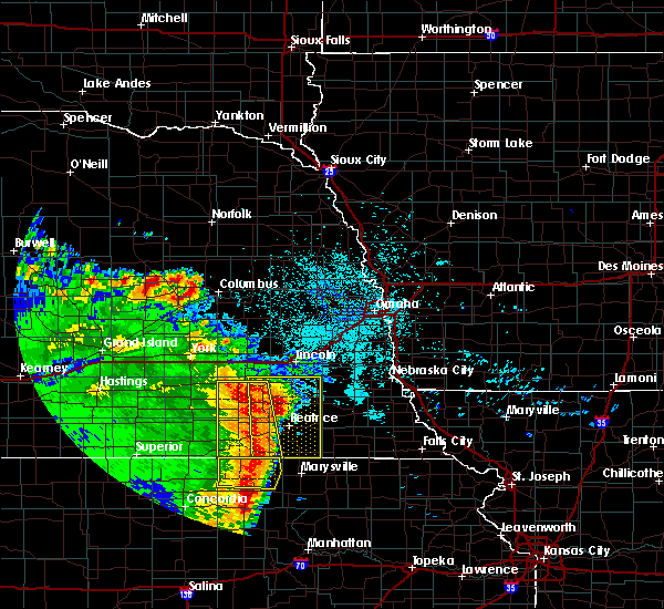 Radar Image for Severe Thunderstorms near Wymore, NE at 6/28/2020 2:59 AM CDT