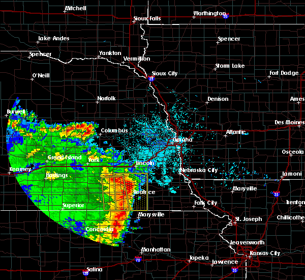 Radar Image for Severe Thunderstorms near Wymore, NE at 6/28/2020 3:06 AM CDT