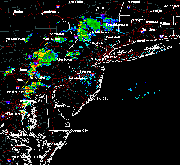Radar Image for Severe Thunderstorms near Blandon, PA at 6/30/2015 1:11 PM EDT