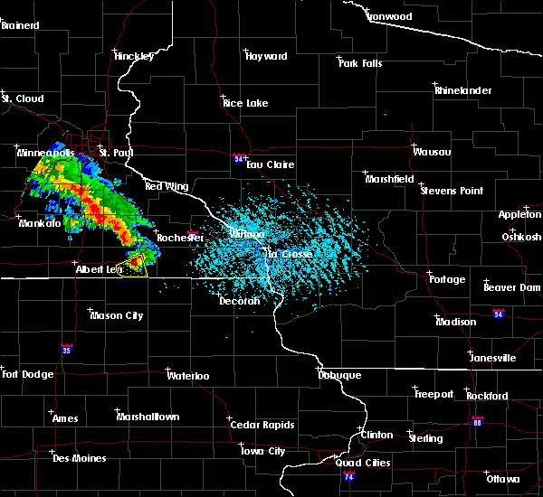 Radar Image for Severe Thunderstorms near Stewartville, MN at 6/28/2020 5:46 PM CDT