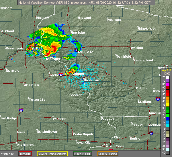 Radar Image for Severe Thunderstorms near Winona, MN at 6/28/2020 8:44 PM CDT