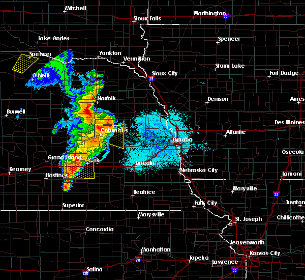 Radar Image for Severe Thunderstorms near Cedar Bluffs, NE at 6/30/2020 11:13 PM CDT
