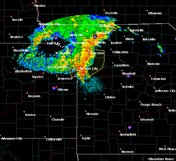 Radar Image for Severe Thunderstorms near Henrietta, MO at 7/1/2020 5:25 AM CDT