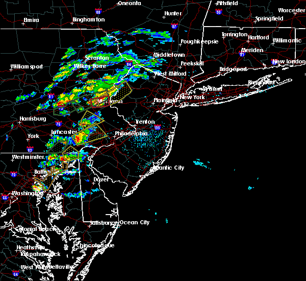 Radar Image for Severe Thunderstorms near Bally, PA at 6/30/2015 3:07 PM EDT