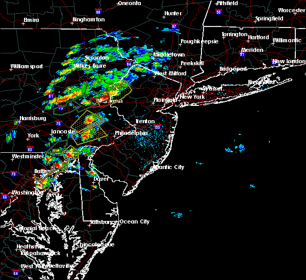 Radar Image for Severe Thunderstorms near Phoenixville, PA at 6/30/2015 3:10 PM EDT