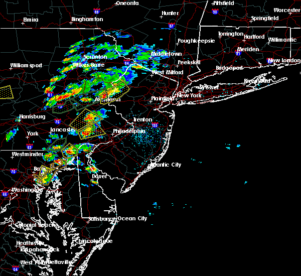 Radar Image for Severe Thunderstorms near Phoenixville, PA at 6/30/2015 3:25 PM EDT