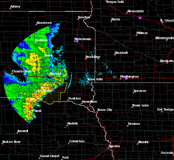 Radar Image for Severe Thunderstorms near Springfield, SD at 7/3/2020 2:07 AM CDT