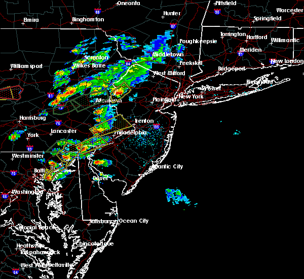 Radar Image for Severe Thunderstorms near Mountain Lake, NJ at 6/30/2015 3:50 PM EDT