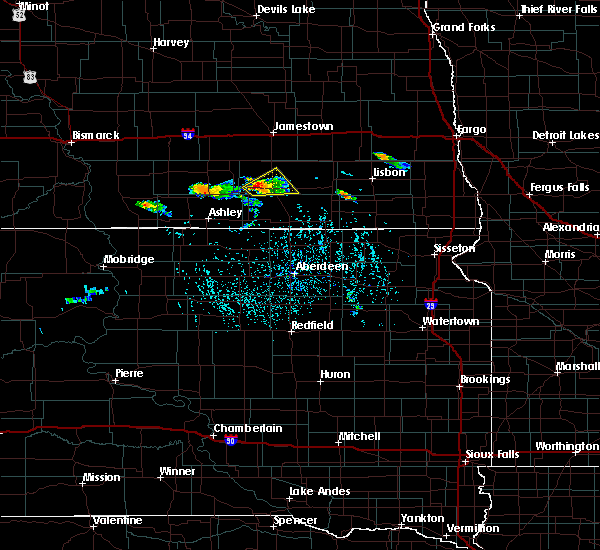 Radar Image for Severe Thunderstorms near Edgeley, ND at 7/4/2020 3:52 PM CDT
