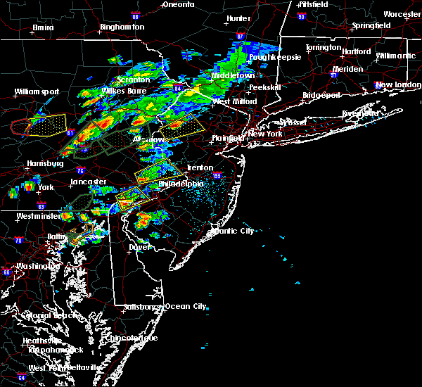 Radar Image for Severe Thunderstorms near Trevose, PA at 6/30/2015 4:11 PM EDT