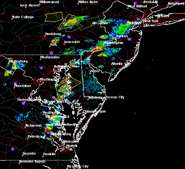 Radar Image for Severe Thunderstorms near Chesapeake Ranch Estates, MD at 6/30/2015 4:40 PM EDT