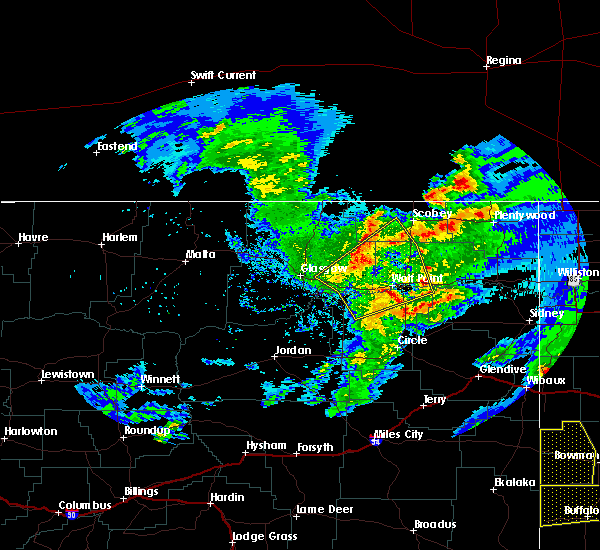 Radar Image for Severe Thunderstorms near Wolf Point, MT at 7/4/2020 10:06 PM MDT