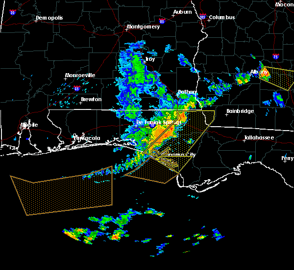 Radar Image for Severe Thunderstorms near Lynn Haven, FL at 6/30/2015 3:52 PM CDT