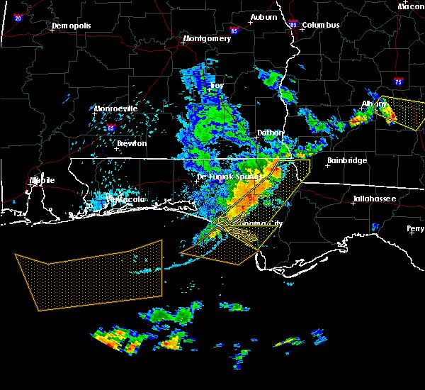 Radar Image for Severe Thunderstorms near Lynn Haven, FL at 6/30/2015 3:58 PM CDT