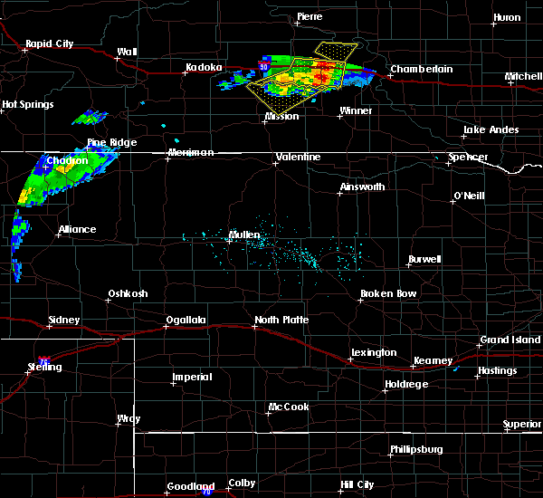 Radar Image for Severe Thunderstorms near Kennebec, SD at 7/5/2020 6:35 PM CDT