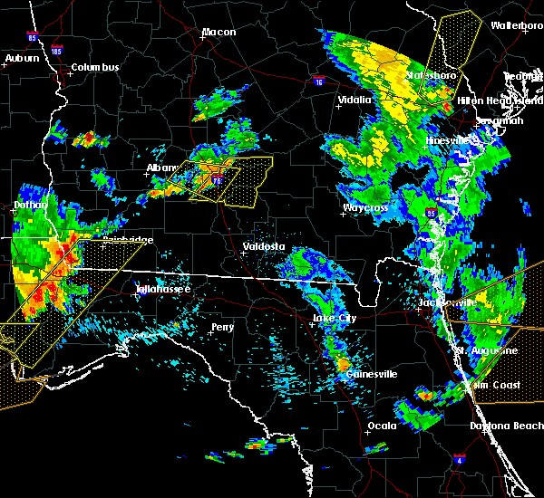 Radar Image for Severe Thunderstorms near Fitzgerald, GA at 6/30/2015 5:27 PM EDT