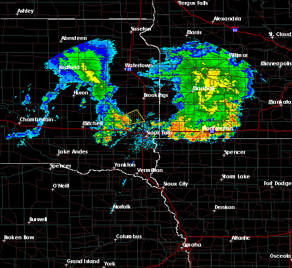 Radar Image for Severe Thunderstorms near Chester, SD at 7/6/2020 4:40 AM CDT