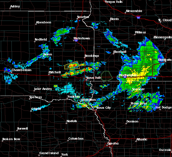 Radar Image for Severe Thunderstorms near Madison, SD at 7/6/2020 8:27 AM CDT