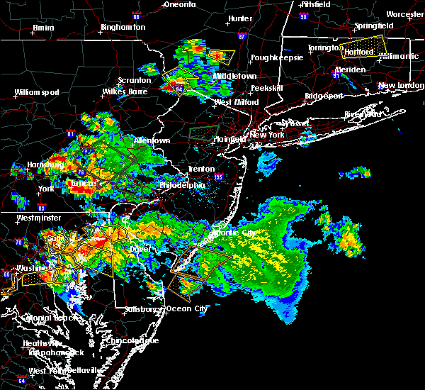 Radar Image for Severe Thunderstorms near Bird-in-Hand, PA at 7/6/2020 7:23 PM EDT