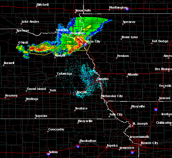 Radar Image for Severe Thunderstorms near North Sioux City, SD at 7/6/2020 6:52 PM CDT
