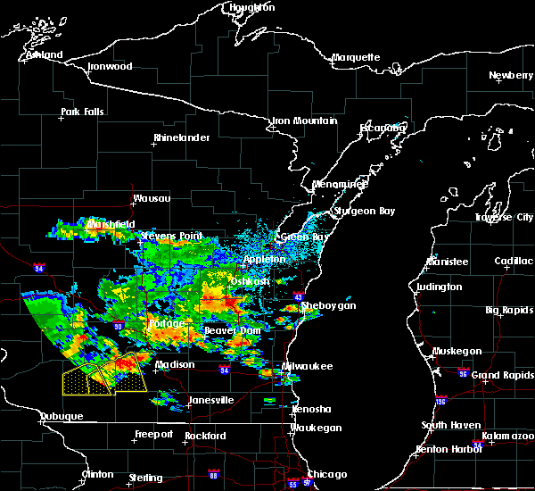 Radar Image for Severe Thunderstorms near Van Dyne, WI at 7/7/2020 4:57 PM CDT
