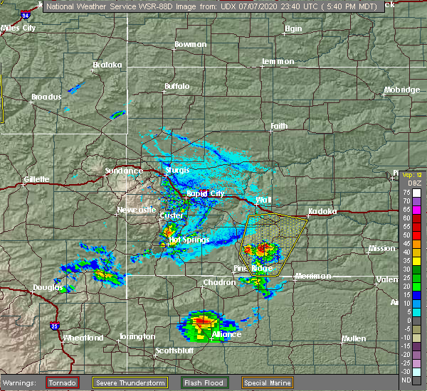 Radar Image for Severe Thunderstorms near Batesland, SD at 7/7/2020 5:43 PM MDT