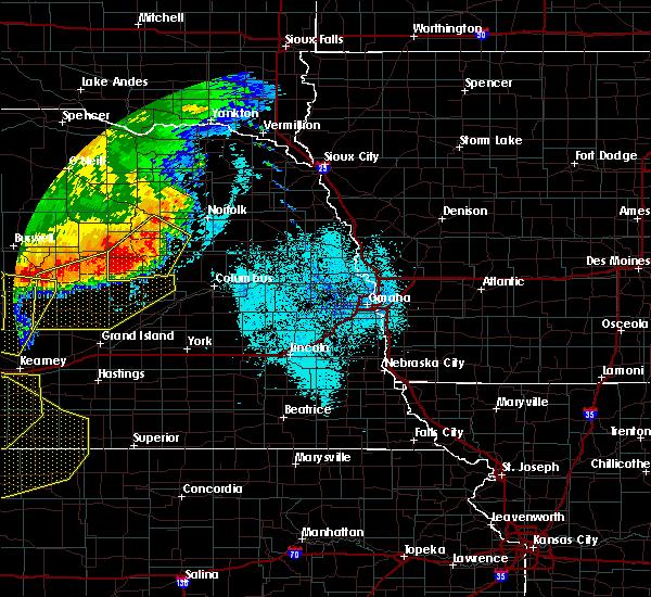 Radar Image for Severe Thunderstorms near Cedar Rapids, NE at 7/8/2020 10:48 PM CDT