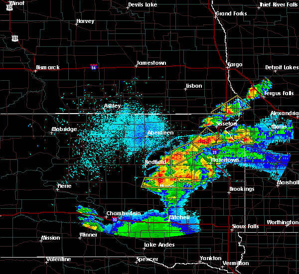Radar Image for Severe Thunderstorms near Fairmount, ND at 7/8/2020 11:27 PM CDT