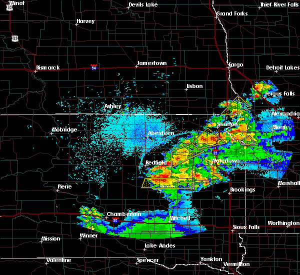 Radar Image for Severe Thunderstorms near Fairmount, ND at 7/8/2020 11:43 PM CDT