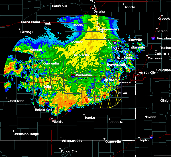 Radar Image for Severe Thunderstorms near Overbrook, KS at 7/9/2020 4:00 AM CDT
