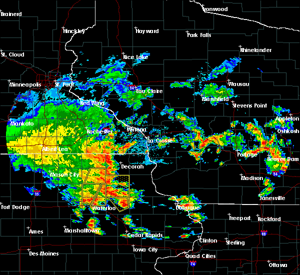Radar Image for Severe Thunderstorms near Dunkerton, IA at 7/9/2020 1:42 PM CDT